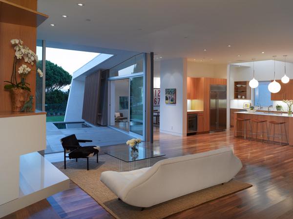 Modern California Home In Santa Monica Inspired By Trees