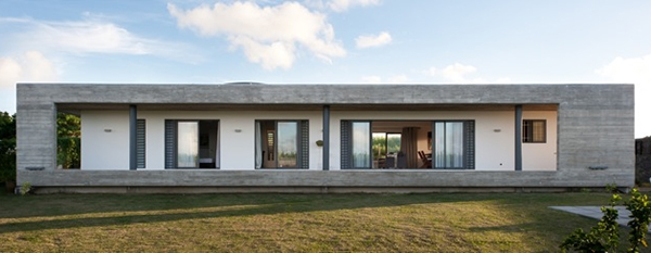 Rectangular Concrete House By Rethink