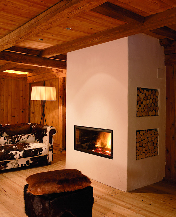 Rustic Log Cabin Design with Stunning Interiors