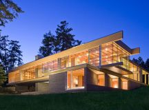 Sprawling Multifaceted Canadian Home Features Glass On All ...