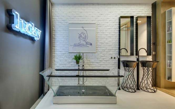 View In Gallery Apartment Bathroom Design That Looks Like A Showroom 1 Thumb 630xauto 54103