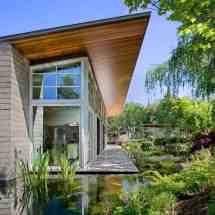 Modern House Design Garden Pond
