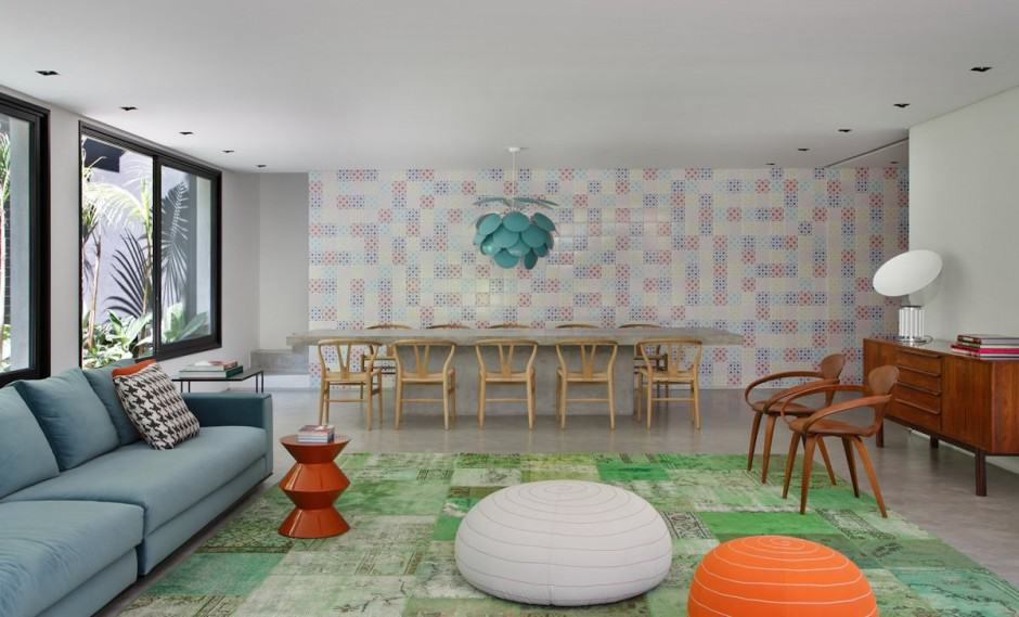 70s Inspired Interiors Featuring Vintage Patterns And Color Blocking