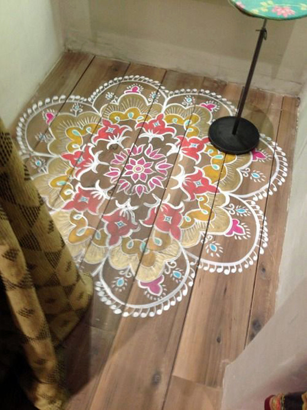 Nicole franzen having a small space may burden you with more storage issues than your nei. Top 10 Stencil and Painted Rug Ideas for Wood Floors