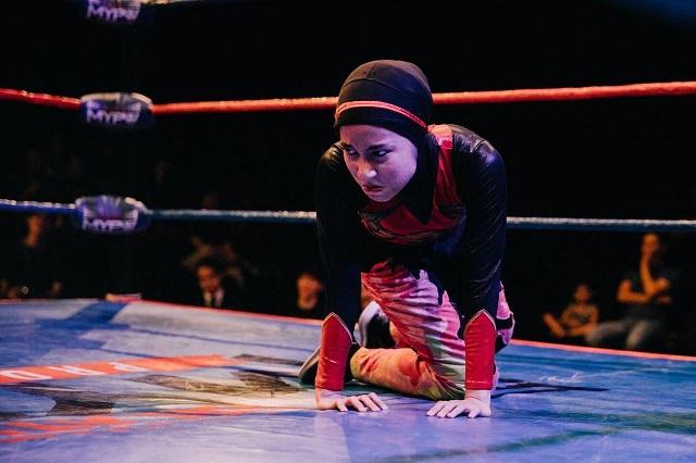 Tesettürlü Kız Güreş Şampiyonu Oldu (6 fotoğraf )