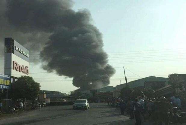Cháy nhà xưởng trong khu công nghiệp ở Hưng Yên - Ảnh 2.