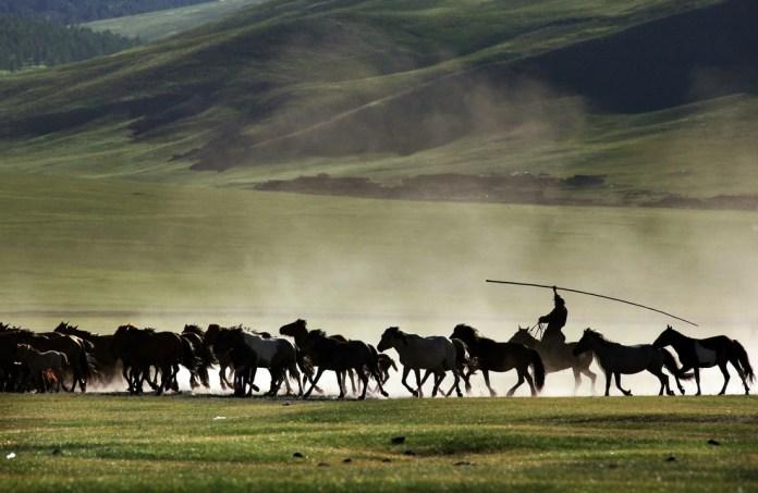 Có một Mông Cổ đẹp kinh ngạc - Ảnh 5.