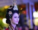 Múa cổ trang rộn rã sân khấu Lễ hội văn hóa thế giới