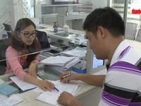 Đề xuất cấm công chức mặc quần jean, áo thun trong giờ làm việc