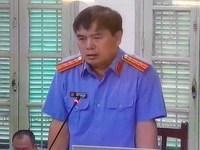Xử cựu đại biểu quốc hội: Luật sư phản ứng vì bị dừng tranh luận