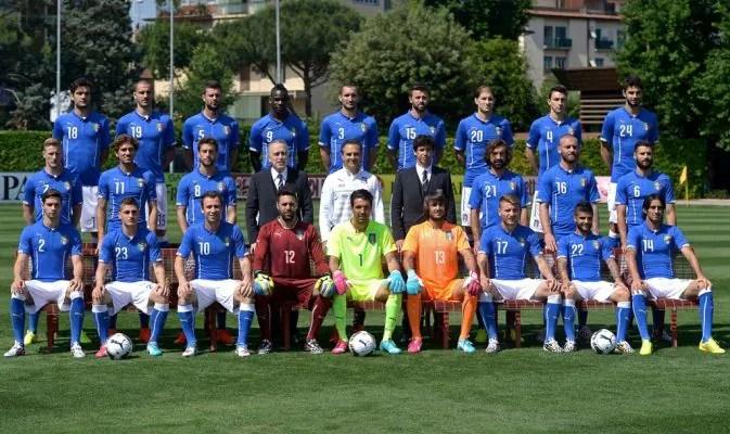 Mondiali 2014 Italia, foto di gruppo. C'è anche Abete