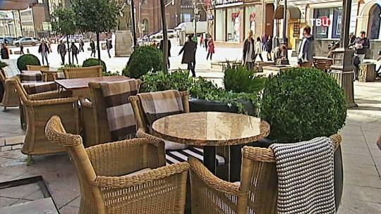 Картинки по запросу фото уличного кафе
