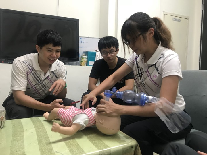 年輕女消防替早產孕婦接生 高級救護員讚專業 | 時事 | 聯合影音