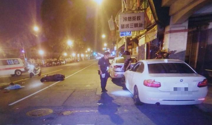 影/又疑高雄式左轉 女騎士遭BMW撞噴飛 | 時事 | 聯合影音