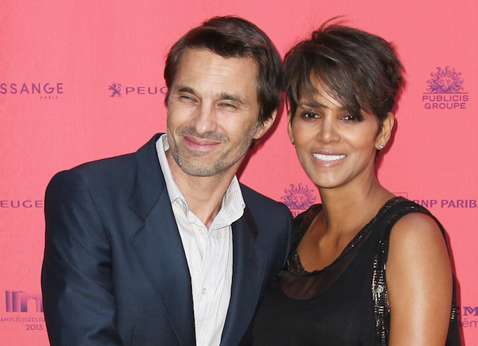 Halle Berry Joins Instagram. Posts First Photo Topless From Behind - uInterview