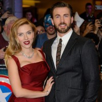 Chris Evans & Scarlett Johansson Hit Red Carpet At ...