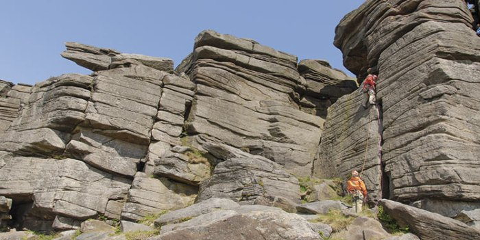 Crack and Cave at Stanage, 90 kb