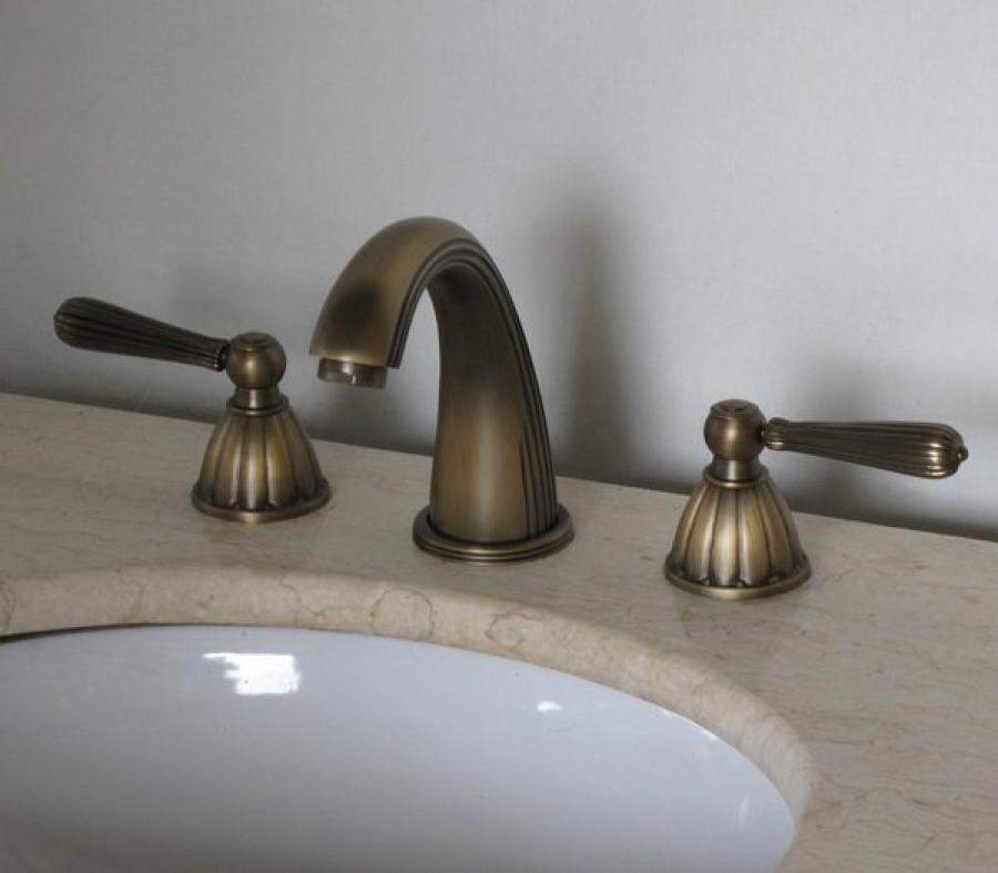Antique Brass Three Hole Bathroom Vanity Faucet