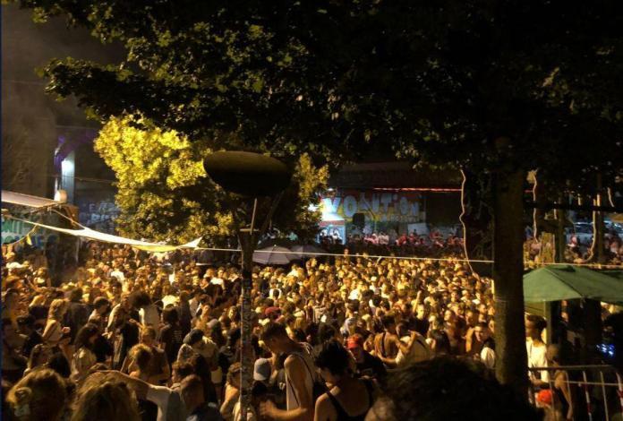 Vor der Reitschule fand am Samstagabend eine illegale Technoparty statt.