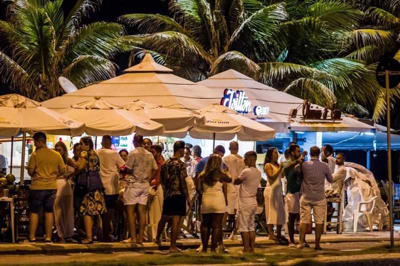 Social distancing is not upheld here: Rio de Janeiro on December 31, 2020.