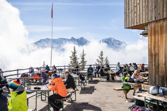 Will you soon be able to eat on the terrace again?  The outside area of ​​the Brunnihütte mountain restaurant above Engelberg in the canton of Obwalden.