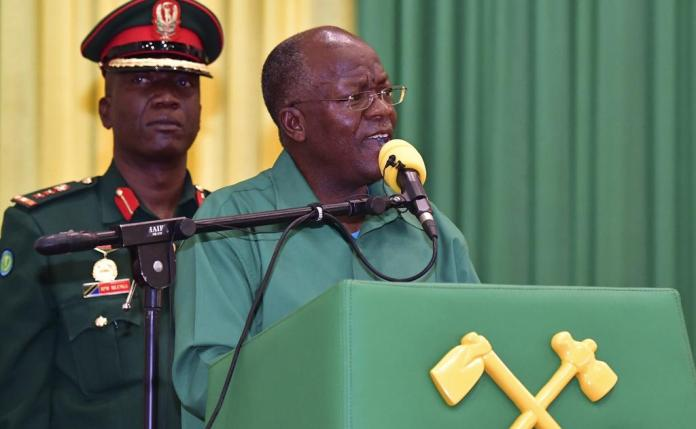 Supporters of conspiracy theories: The vaccines of the West are useless, says Tanzania's President John Magufuli.