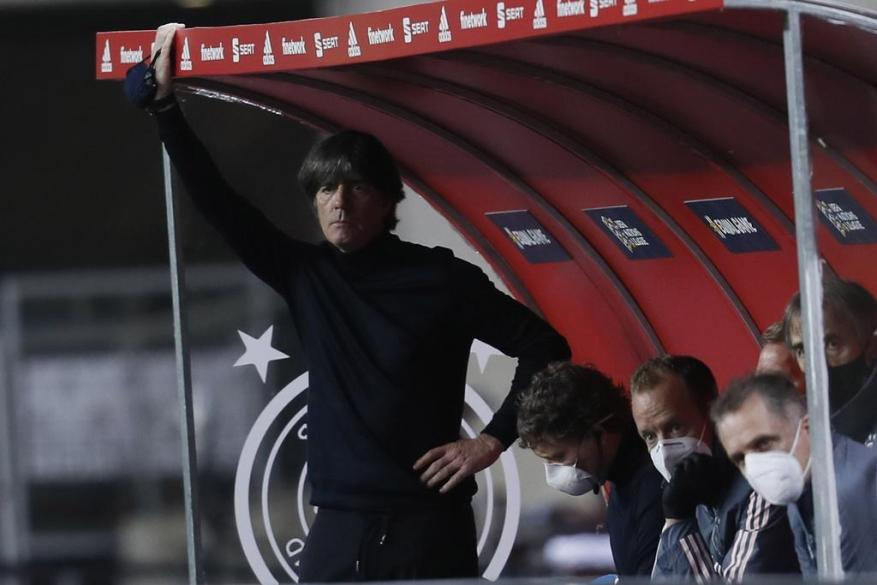 Joachim Löw has been counted for a long time, but the DFB is still behind the German national coach.