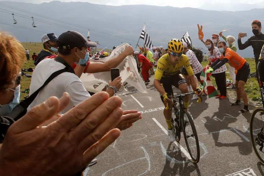 Primoz Roglic was fifteen seconds behind Pogacar, in a final knife, on a vertiginous slope.