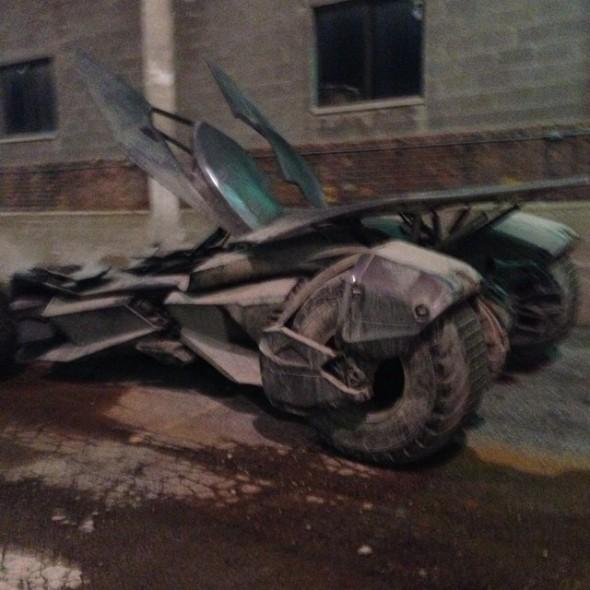 batmobile2 590x590 BATMAN V SUPERMAN: DAWN OF JUSTICE Batmobile Revealed