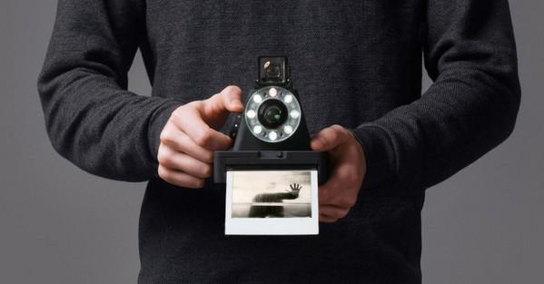 環形閃光燈超搶眼!Impossible Project 即將推出全新即影即有相機 I-1 - 香港 unwire.hk