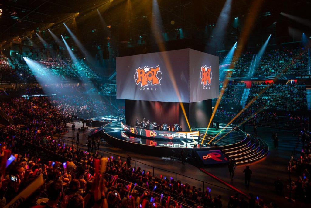 Riot 提醒 LoL 專業玩家不要在直播時提及「敏感議題」 - 香港 unwire.hk