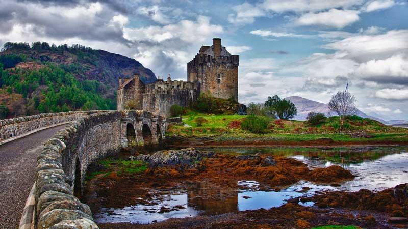 eilean_donan_castle_by_drronson-d4xi8fl