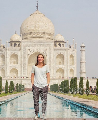photo of Taylor in front of the Taj Mahal