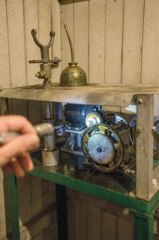 clock-motor