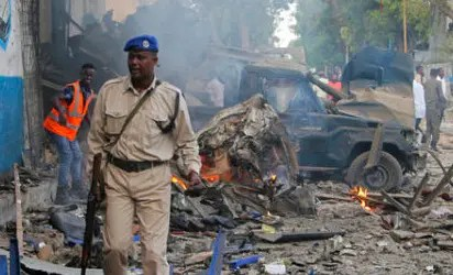 At least 10 killed in bomb, gun attack on Somalia hotel