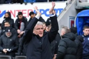 Hughes makes flying start as Southampton reach FA Cup semis