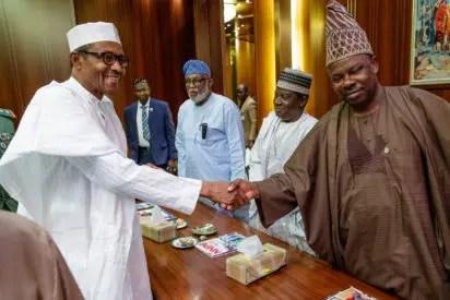 Breaking: Buhari meets Amosun behind closed-doors - Vanguard News