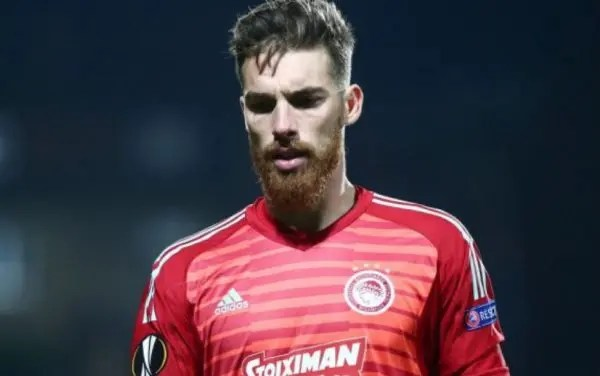 Olympiakos sign Portuguese 'keeper Jose Sa for four years