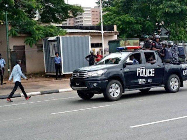 Shiite-Group-clash-with-Police-in Abuja-