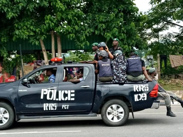 Just in: Gunshots as police disperse Shi'ite protesters in Abuja