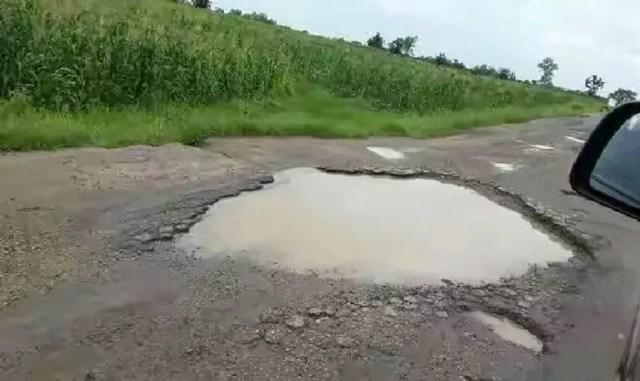 •Deplorable Oyo-Ogbomoso road