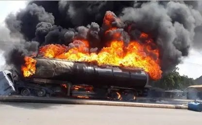 Petrol tanker explodes at Tunfure, along Gombe Bauchi express Road, Gombe State. Photo credit: ChannelsTV
