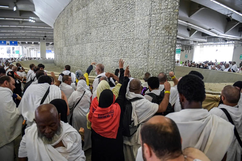 Breaking: Lagos pilgrim dies enroute to stone 'devil' - Vanguard News - Vanguard