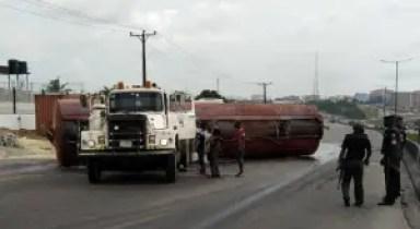 Tanker truck laden with diesel fell off Otedola bridge