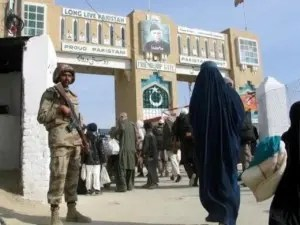 Pakistan closes border with Afghanistan after Taliban poll warning