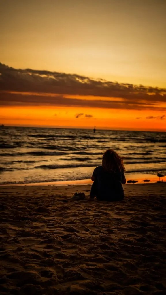 beach woman sunset 162512 1080x1920