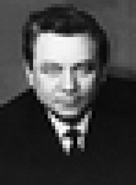 Конон Молодый (псевдоним Гордон Лонсдейл) работал в Великобритании с 1951 г. и под видом канадского бизнесмена добывал ценные документы о военных и политических планах Великобритании. Раскрыт предателем в 1961 г., обменян в 1964 г. на арестованного британского шпиона Норберта Вина