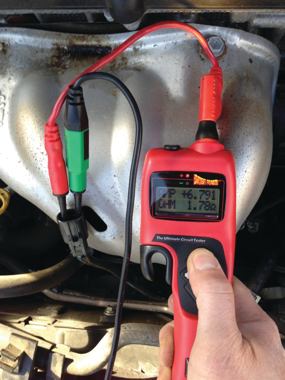 hight resolution of matco recommends coupling its tp3405 leak detection dye with its rpt102 cooling system pressure tester when under pressure dye may be left behind where a