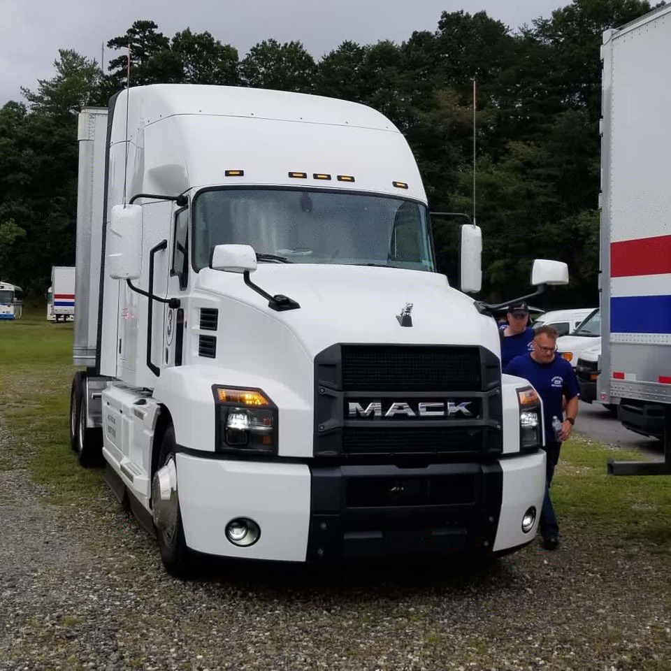hight resolution of the white trucks represented mack s most efficient powertrain with the mack mp8he 415se engine producing 415 hp and 1760 lb ft of torque show caption