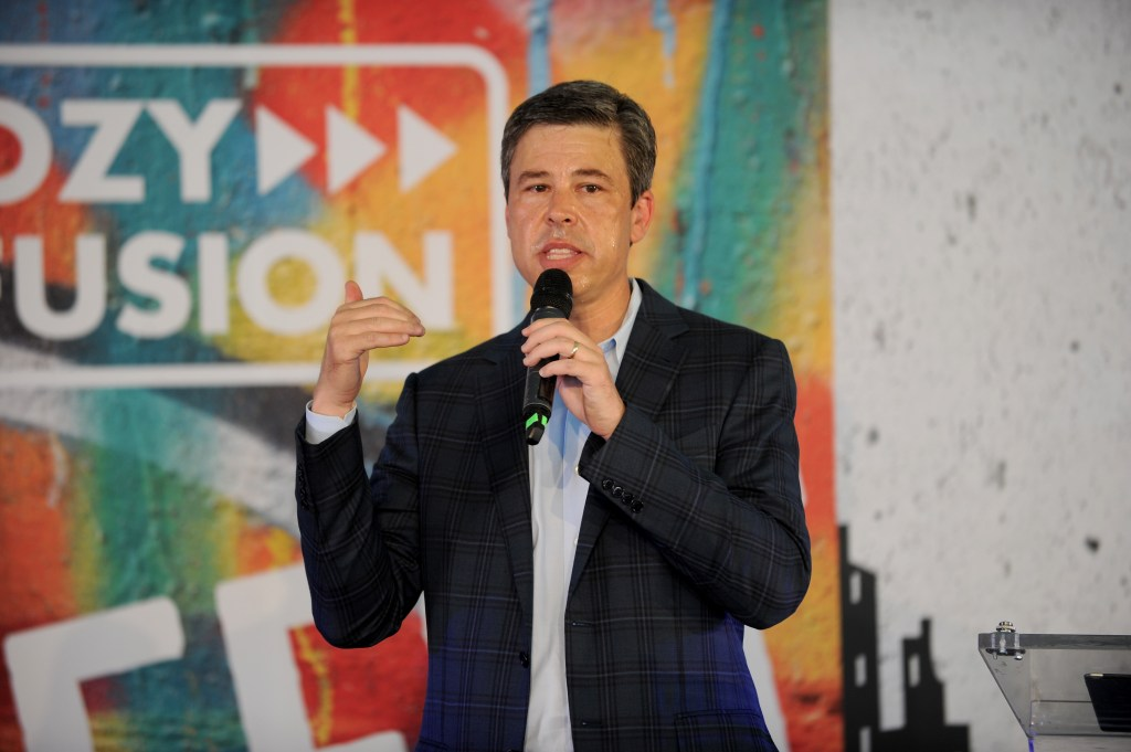 Mayor Andy Berke of Chattanooga, Tennessee, has ensured that a municipality-owned electric utility is giving more families reliable access to the high-speed broadband, P.G. Sittenfeld writes. (Brad Barket/Getty Images)